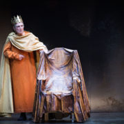 Il maestro del teatro si racconta, ascolta l'intervista